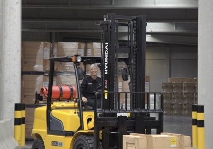 3 lpg counterbalance trucks forklifts